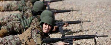 Kuwaiti women in army